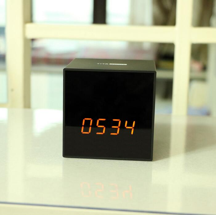 Titathink spy clock camera